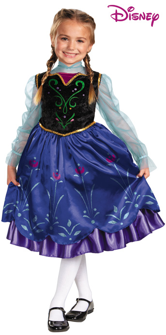 Anna Traveling Gown Dlx